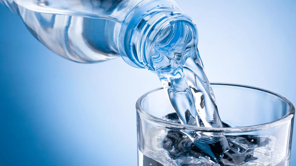 Nước uống là thực phẩm từ thiên nhiên giúp bổ thận cho nữ