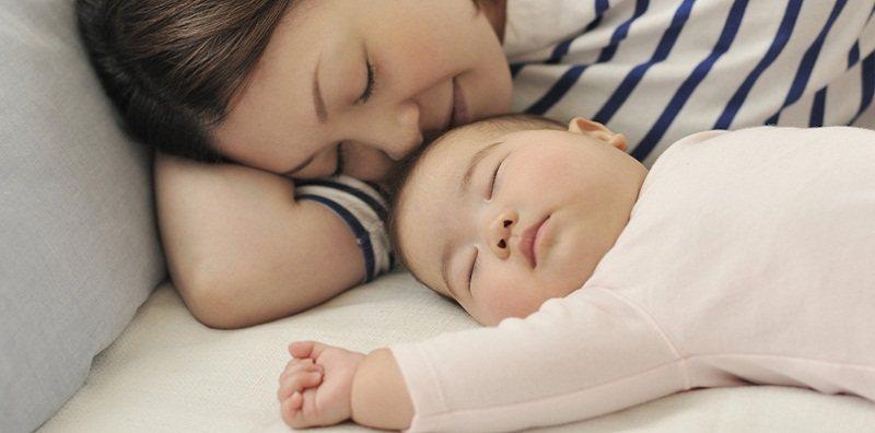 Mẹo ăn ngon ngủ ngon cho bé phát triển toàn diện